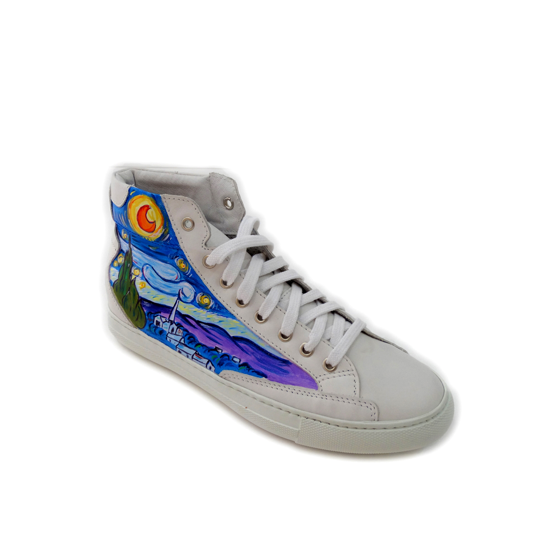 Sneakers dipinte a mano – La notte stellata di Van Gogh