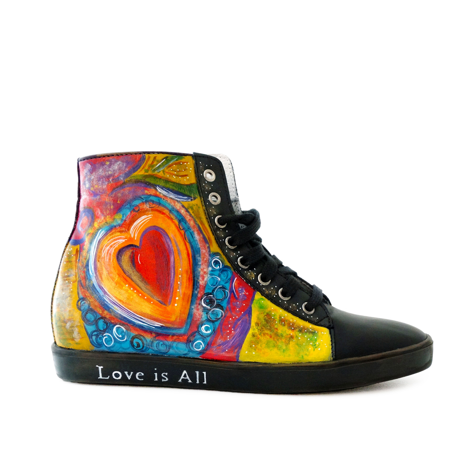 Sneakers dipinte a mano – Love is All