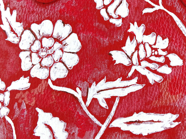 Borsa dipinta a mano – White on red