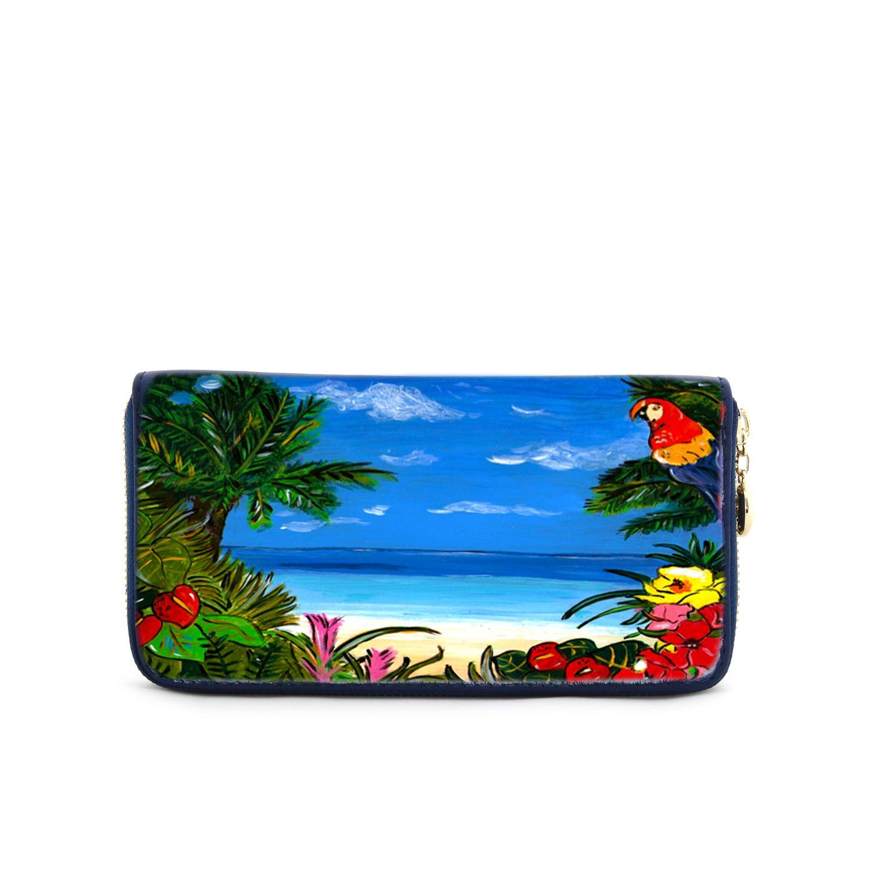 : adatto a chi vuole osare e accendere di colore le sue giornate, grazie a una fitta foresta tropicale con i fiori sgargianti e altissime palme, c'è anche un curioso pappagallo Ara e naturalmente il meraviglioso mare dei tropici.