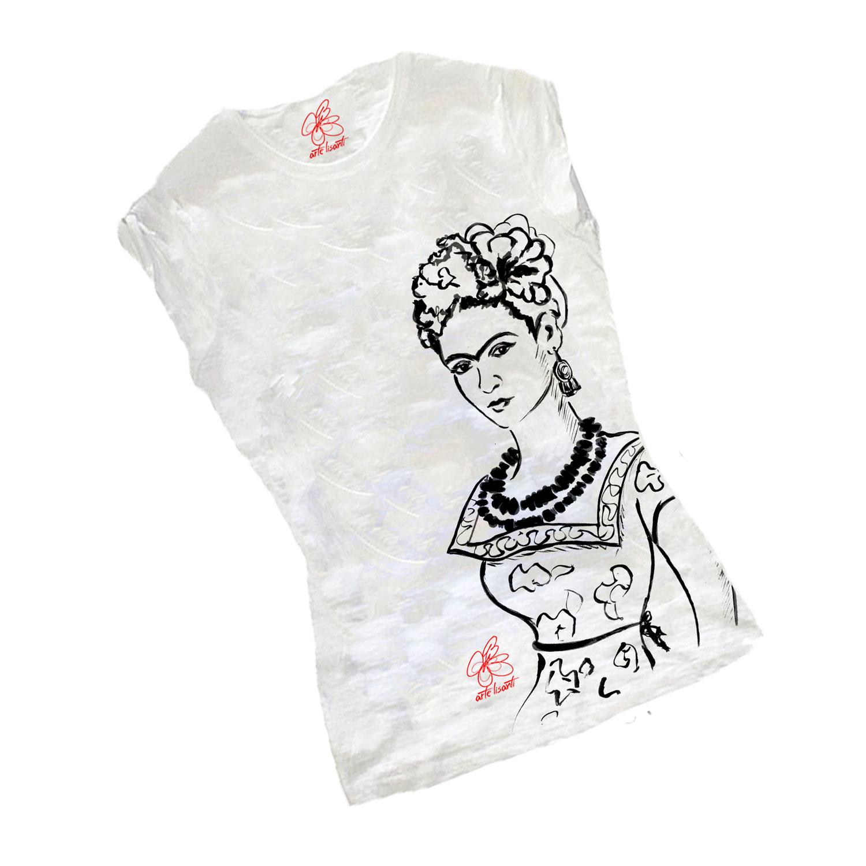 T-shirt dipinta a mano – Passione per Frida black and white