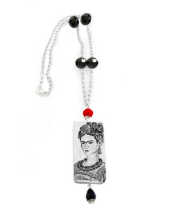 Collana dipinta a mano – Passione per Frida black and white
