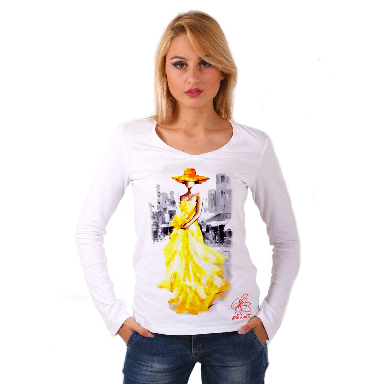 Maglia con scollo a V dipinta a mano - Lady in yellow